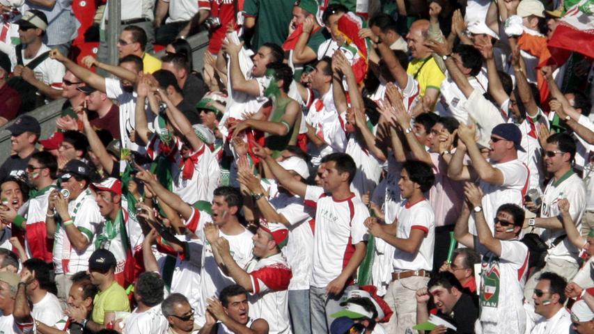 Foto: Eduard Weigert..WM 2006 WMNürnberg....Mexico - Iran....Fans im Stadion