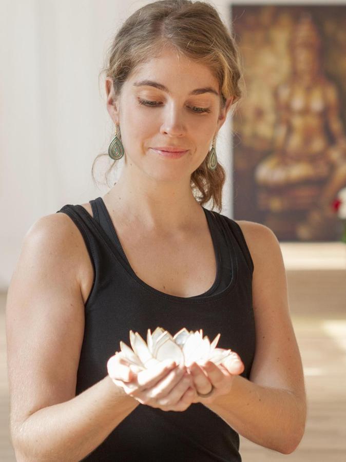 Julia Schleußinger hat sich mit einem Yoga-Studio ein zweites Standbein geschaffen.