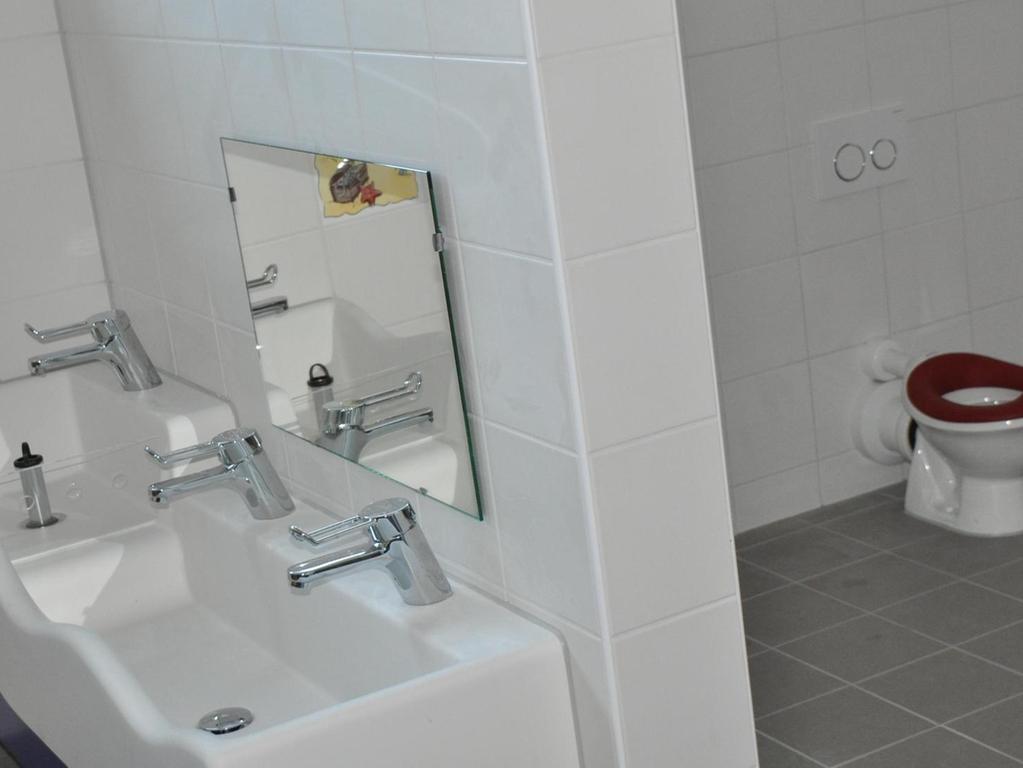 Im neuen Anbau des Kinderhauses sind die Sanitäranlagen für die Allerkleinsten untergebracht.