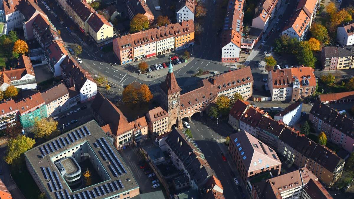 Zur Neuordnung des Verkehrs in der Sebalder Stadt zwischen Rathenauplatz und Laufer Schlagturm hat der Verkehrsausschuss einen Zwei-Stufen-Plan beschlossen.