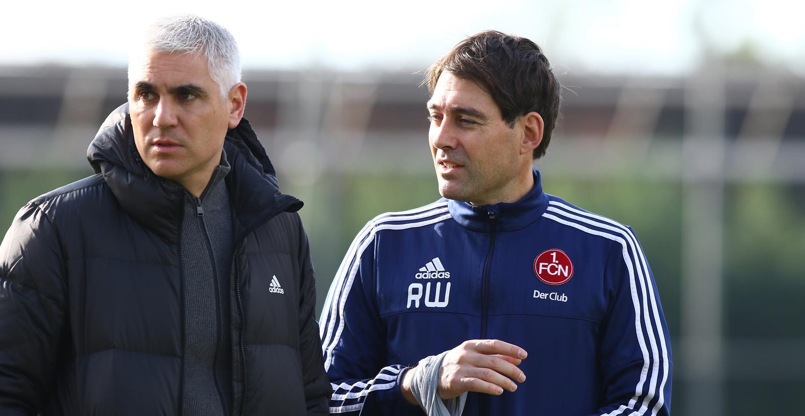 Erweist sich als zäher Verhandlungspartner: Club-Sportvorstand Andreas Bornemann (links), der eine möglichst hohe Ablösesumme für Trainer René Weiler fordert.
