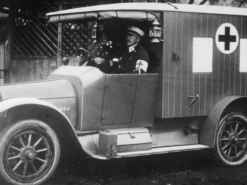 So sah der Kranken-Transportwagen der Erlanger Kolonne aus. Er wurde im Kriegsjahr 1915 in Betrieb genommen.