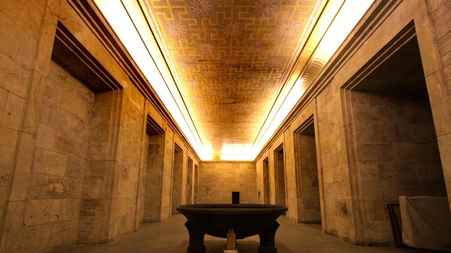 Der Goldene Saal in der Zeppelintribüne wird in den Ausstellungs- und Vermittlungsbetrieb des Dokumentationszentrums mit eingebunden. Er soll Anlaufstelle für Besucher des Geländes werden.