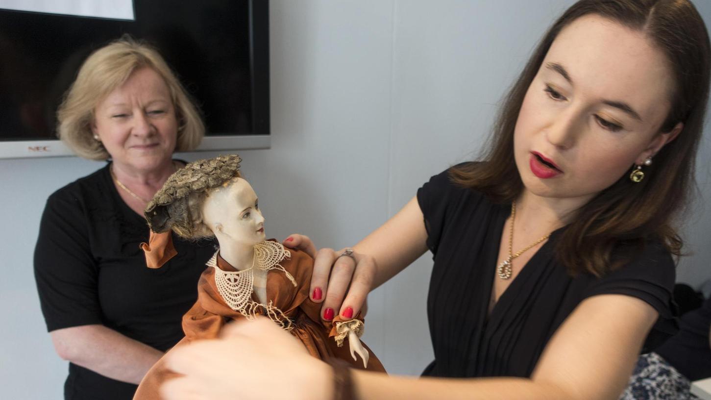 Hat jemand einen echten Schatz gehoben? Kerstin Weidler nimmt eine Puppe unter die Lupe.