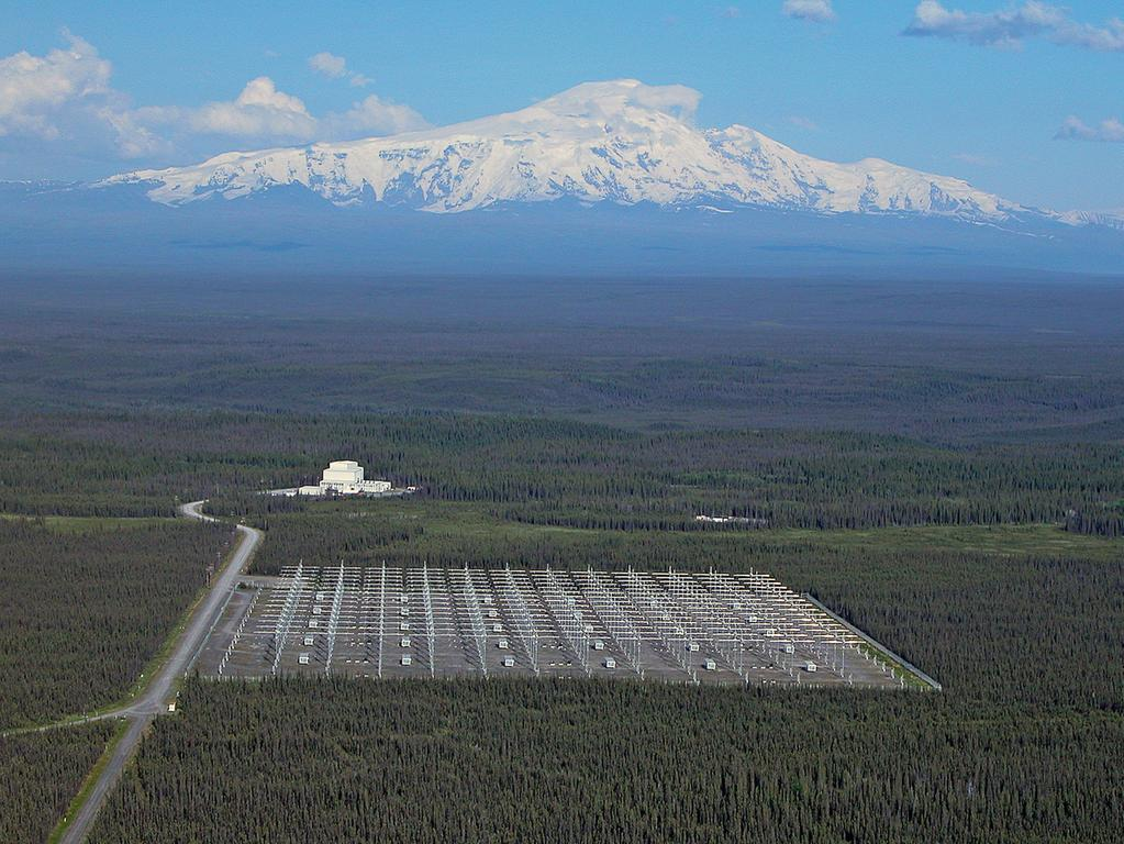 The High Frequency Active Auroral Research Program site, Gakona, Alaska, is  pictured with Mount Wrangell in the background.....U.S. Air Force photograph -  2016 gesp... HAARP; Militär; USA;