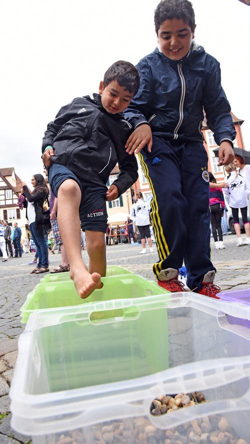 Tag der Verbände am Marktplatz in Schwabach 2016. Foto: Robert Schmitt.