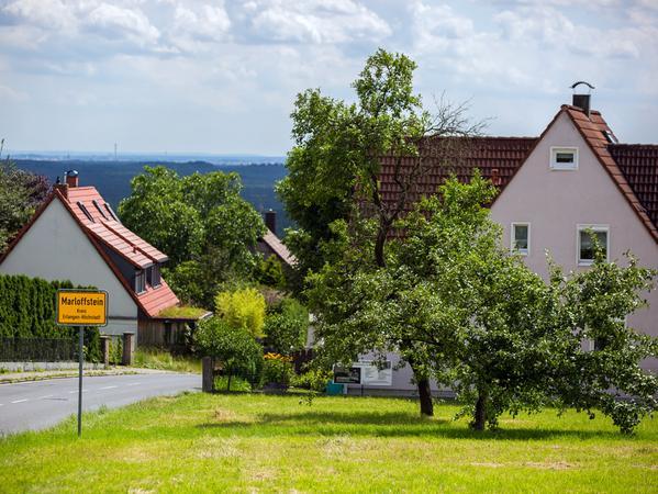 SamSon: Dorfporträt von Marloffstein (Landkreis Erlangen-Höchstadt); Blick nach  Marloffstein..Foto: (c) RALF RÖDEL / NN