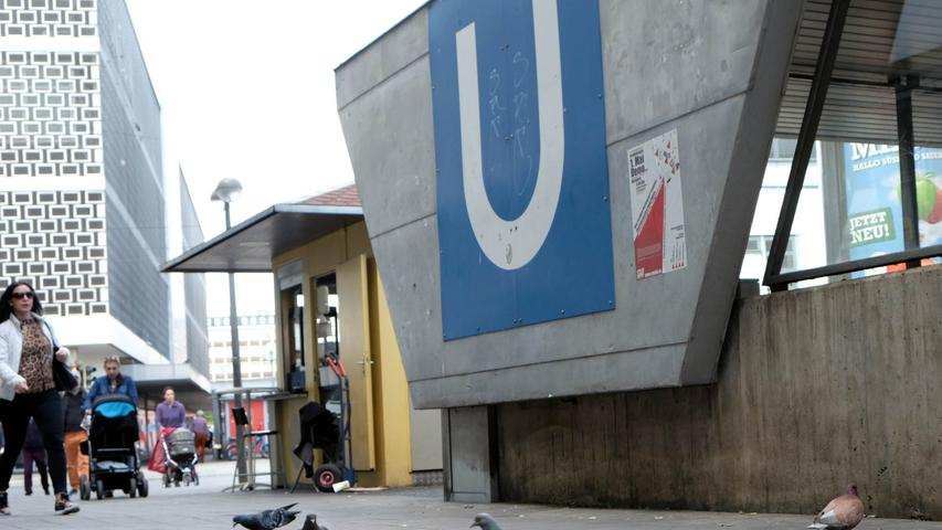 Mitten im Stadtteil Galgenhof liegt der Aufseßplatz und mit ihm die gleichnamige U-Bahn-Haltestelle. Für Cineasten einer der interessantesten Verkehrsknotenpunkte - immerhin ist nur eine Straßenecke weiter das Casablanca-Kino für Filmliebhaber. 23.000 Fahrgäste nutzen an einem Werktag die Haltestelle - angefahren von U1 und U11.