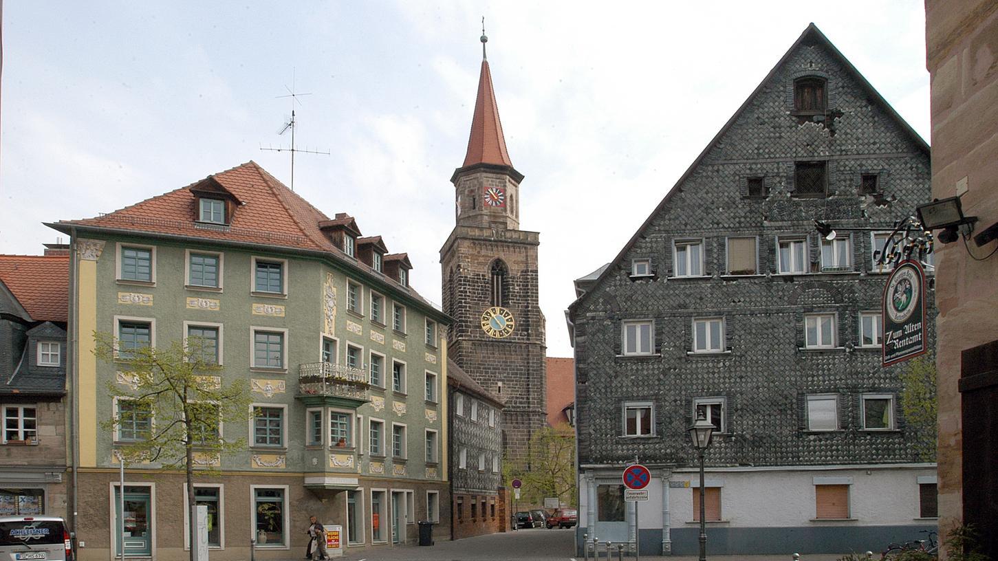 Hier, an St. Michael in der Fürther Altstadt, und an drei anderen evangelischen Kirchen hingen die Flugblätter.