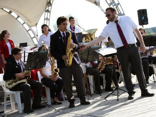 Die Jazzband der US-Jugend bestach als Ganzes, aber auch mit einem Saxofonsolo. Fotos: Husz