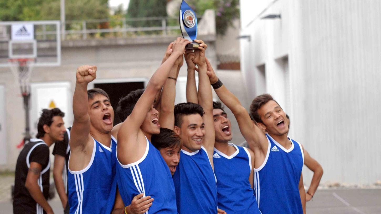 Sie freuten sich über den Turniersieg Edmond Cani (Albanien), Rashid Arab,  Habib Imani. Sarawi Sakhi, Ayub Dustokehl und Mokthar Zafari aus Afghanistan.