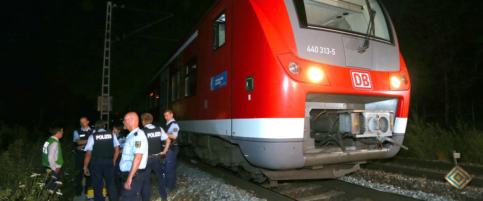 Amoklauf im Regionalzug: Ein 17-Jähriger hat bei Würzburg mehrere Menschen mit Messer und Axt attackiert.