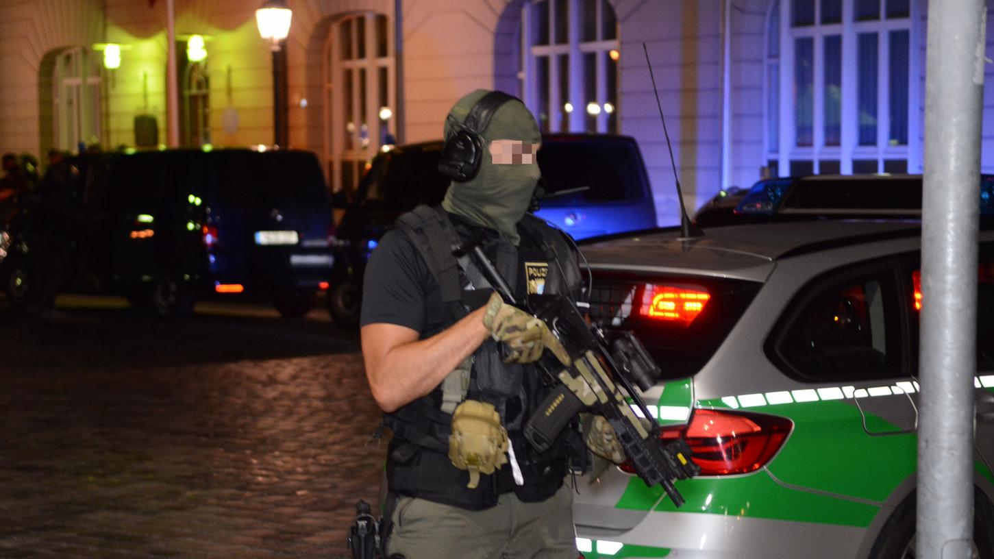 Spezialeinsatzkräfte der Polizei in Ansbach.