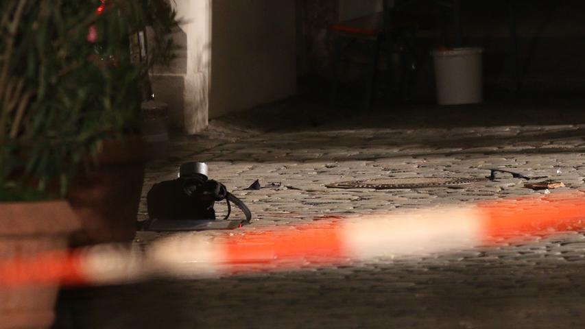 ...es sich um eine Nagelbombe gehandelt habe, sagte Nürnbergs Polizei-Vizepräsident Roman Fertinger in der Nacht.