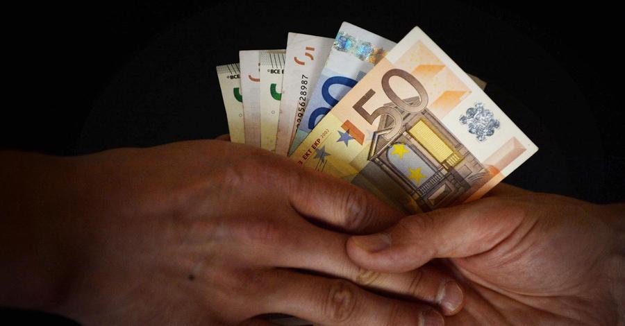 Vor allem in den Nettozahlerländern wie Deutschland wird viel geklagt über die vielen Abermilliarden, die