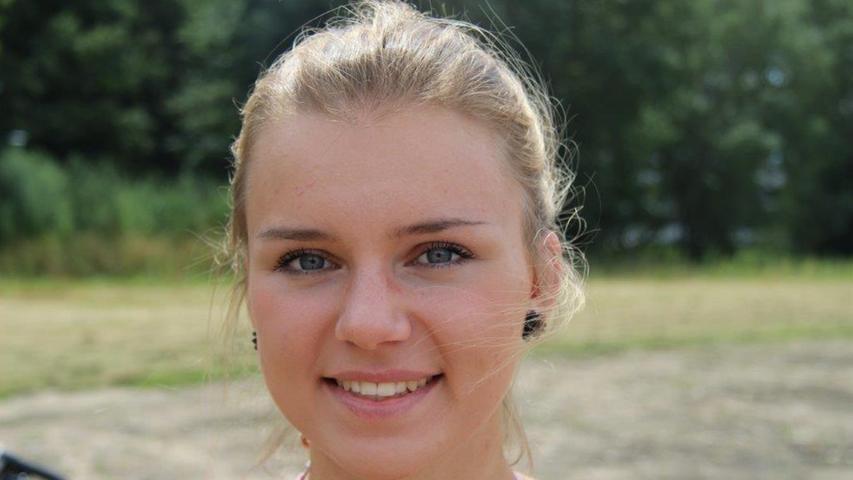 Nelli Kratz, 22, Schwabach:
