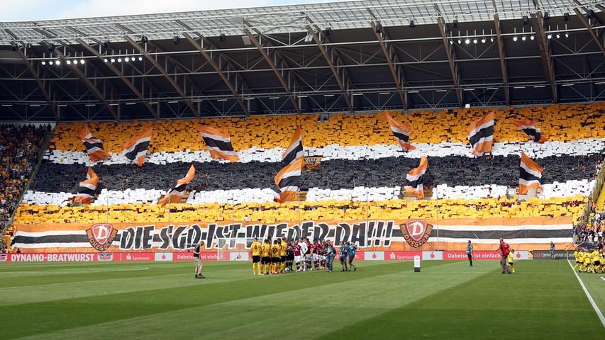 Ausverkauftes Haus, beste Stimmung: Die Dresdner sind definitiv ein echter Gewinn für die Liga. Diese Atmosphäre macht definitiv Lust auf Fußball!