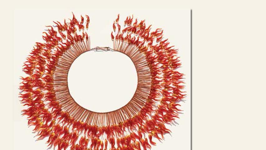 geb. 1955 in Nürnberg lebt in Nürnberg Flamenco (2015) 35 cm Durchmesser Glas, Stahl, Kupfer