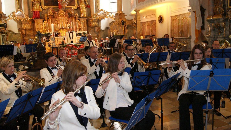 Den Schwerpunkt bei ihren Konzerten wird das KSB-Werksorchester weiterhin auf konzertale Blasmusik legen. Ihren Leiter haben die Musiker allerdings gewechselt ...