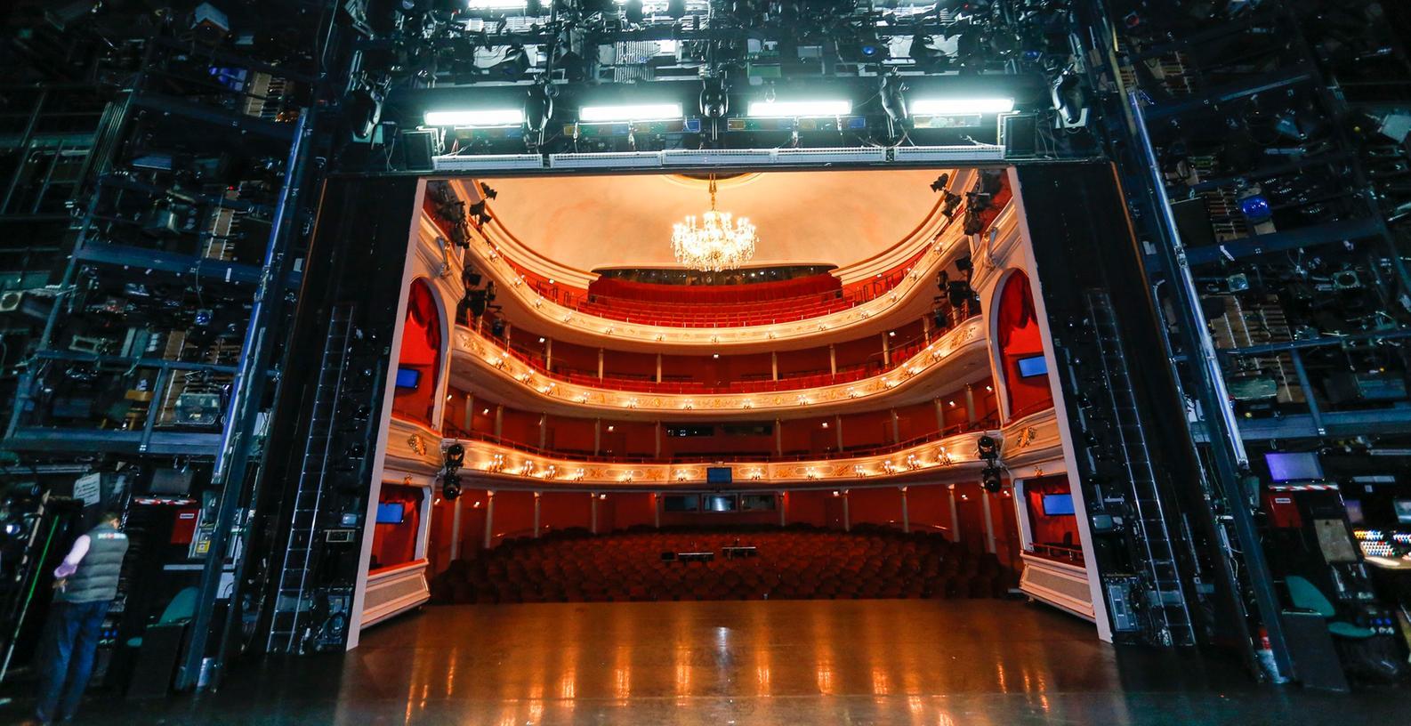 Das Opernhaus in Nürnberg muss saniert werden - die Kosten schlagen sich auch im Haushalt der Stadt nieder.