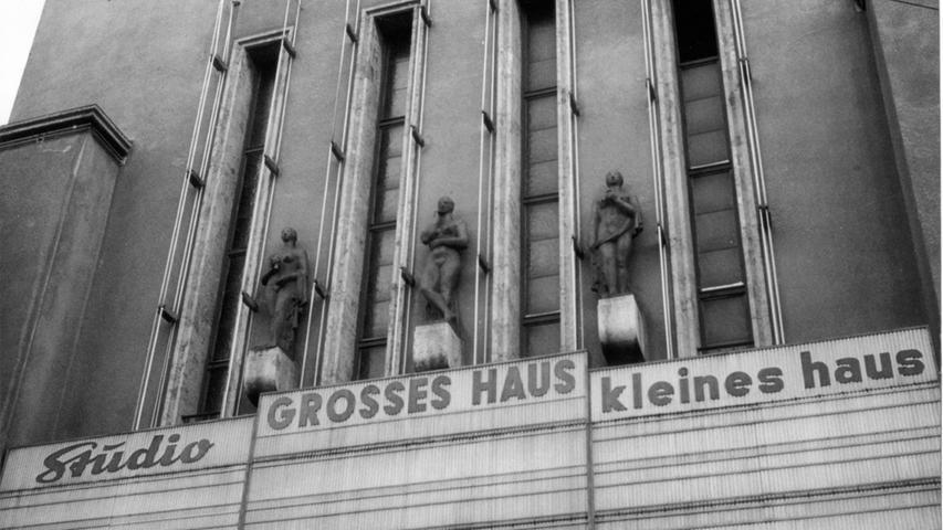 Am Königstorgraben 11 bot das Kino mehr als 2000 Plätze und 300 weitere Plätze im Café im Obergeschoss.