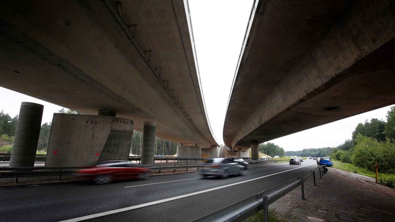Temperaturen, Geschwindigkeit, Drehungen: Sensoren an der Brücke am Nürnberger Autobahnkreuz sollen so ziemlich alles erfassen.