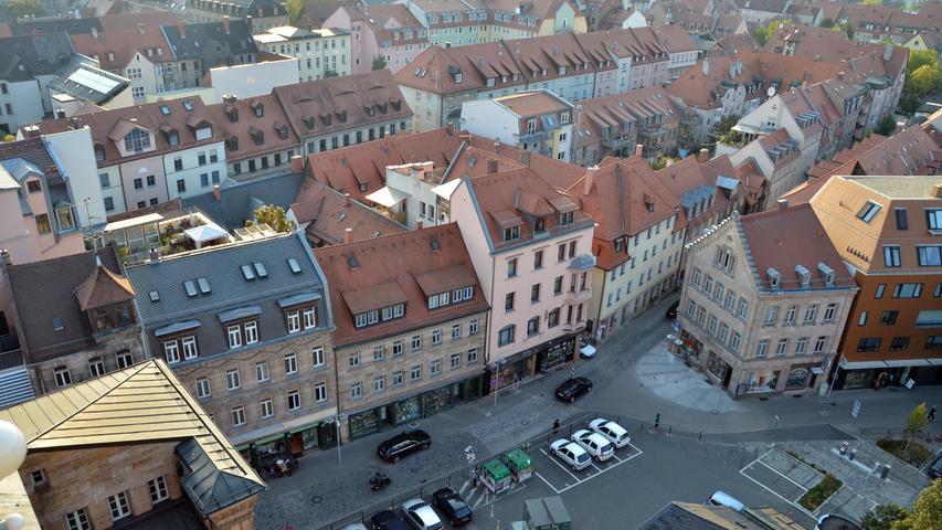 Blick vom Rathausturm auf das Areal, auf dem jetzt das Ludwig-Erhard-Zentrum entsteht.