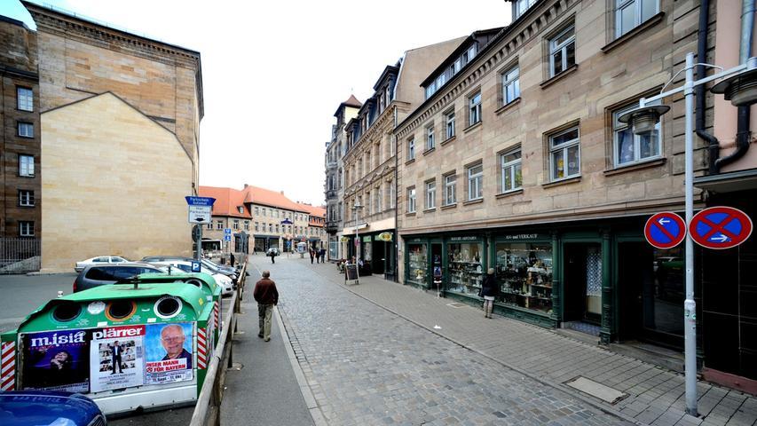 Nach dem U-Bahnbau gab es gegenüber von Ludwig Erhards Geburtshaus viele Jahre nur schnöde Parkplätze.