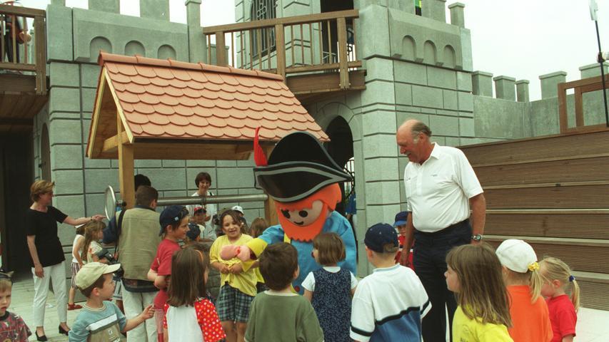 1991 bekam Franken mit der Eröffnung des Playmobil-Funparks eine beliebte Ausflugs-Attraktion. Die Außenbereiche kamen im Jahr 2000 dazu.