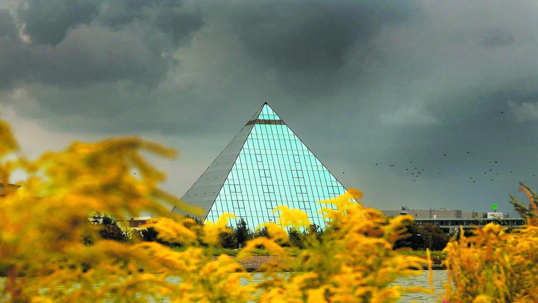 Seit 22 Jahren existiert die Hotel-Pyramide in Fürth. Jetzt soll Schluss sein.