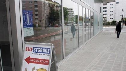 Ob Studenten, die ins Ausland gehen, oder Firmen, die ihre Akten unterstellen wollen: die Firma «SelfStorage» vermietet Lagerräume.