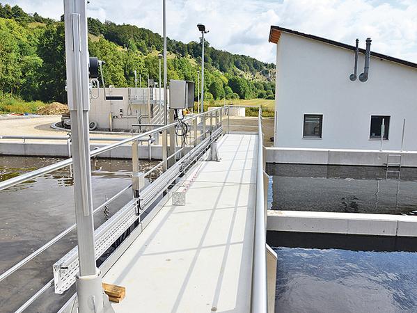 Voll im Zeit- und Kostenplan: Die neue Solnhofener Kläranlage ist seit Kurzem im Probebetrieb und liefert sehr gute Reinigungswerte.