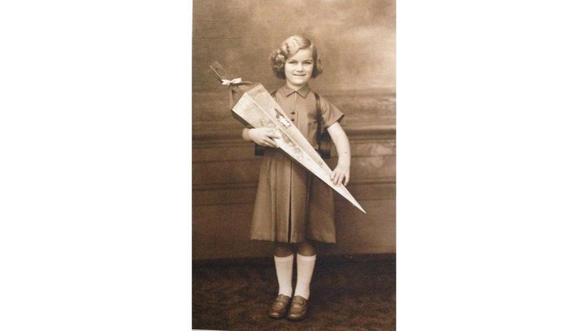 Renate Blumenstetter kann sich noch sehr genau an den Schulanfang 1954 im