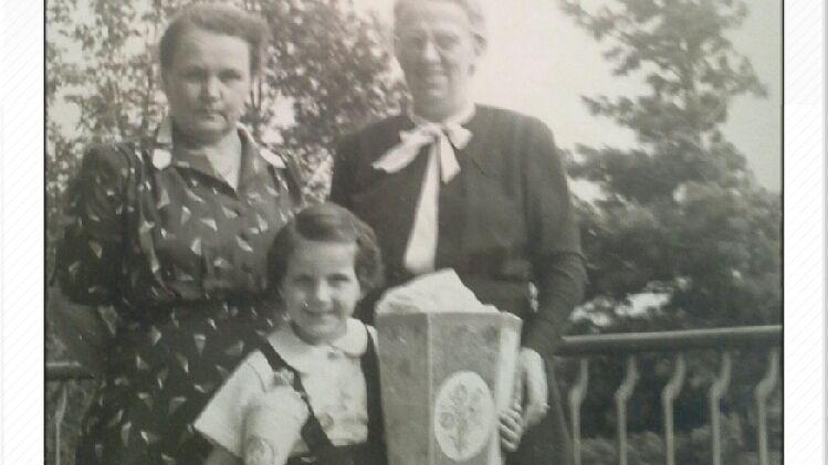 Eine langjährige NN-Leserin, die ihren Namen nicht online lesen will, wurde 1952 in Chemnitz eingeschult:
