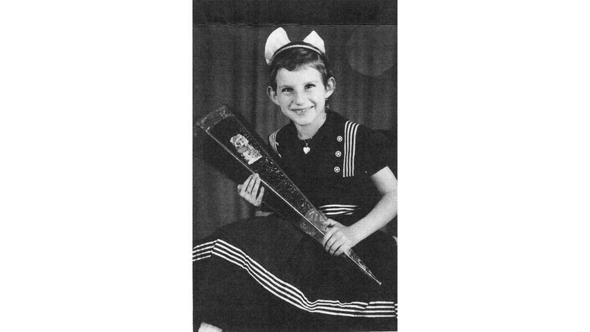 Rose Precht aus Nürnberg hatte offensichtlich beste Laune, als es 1956 erstmals in die Schule ging.
