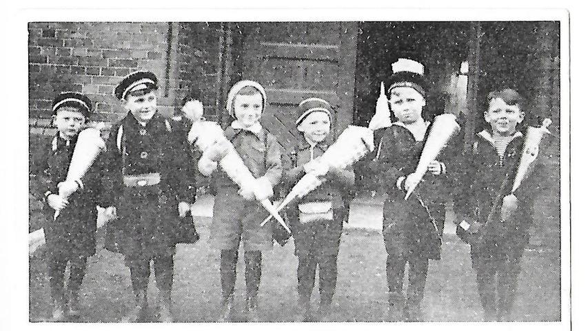 Für Werner Baum aus Treuchtlingen (rechts im Bild) begann das Schuljahr 1940 nach Ostern. Mit seinen Freunden besuchte er die Evangelische Schule in der Schulstraße in Trachenberg/Schlesien.