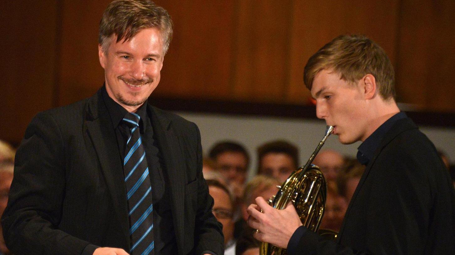 Hornsolist Frank Orschel — neben Streichhölzer-Chef Bernd Müller — erntete für seine Strauss-Interpretation Beifallsstürme.