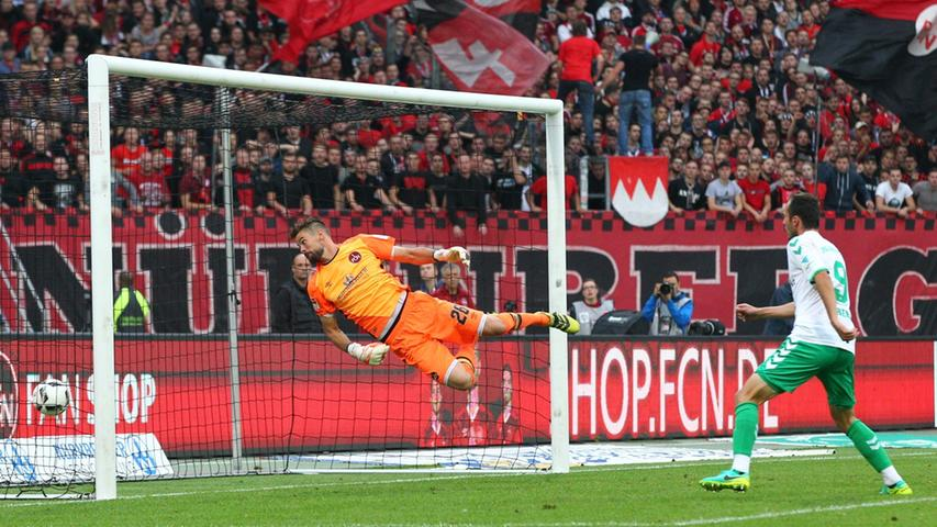 ... doch Treffer von Serdar Dursun und Daniel Steininger ließen den Club im Derby in ein Leistungsloch fallen. Der späte Anschlusstreffer von Guido Burgstaller in der Nachspielzeit konnte den FCN nicht mehr retten.