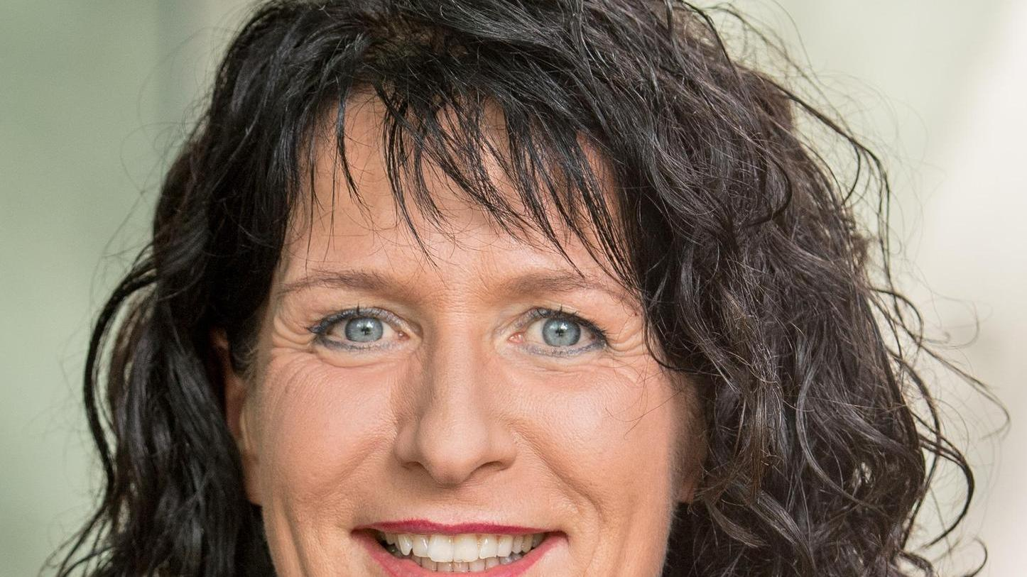 Christine Degenhart (52)