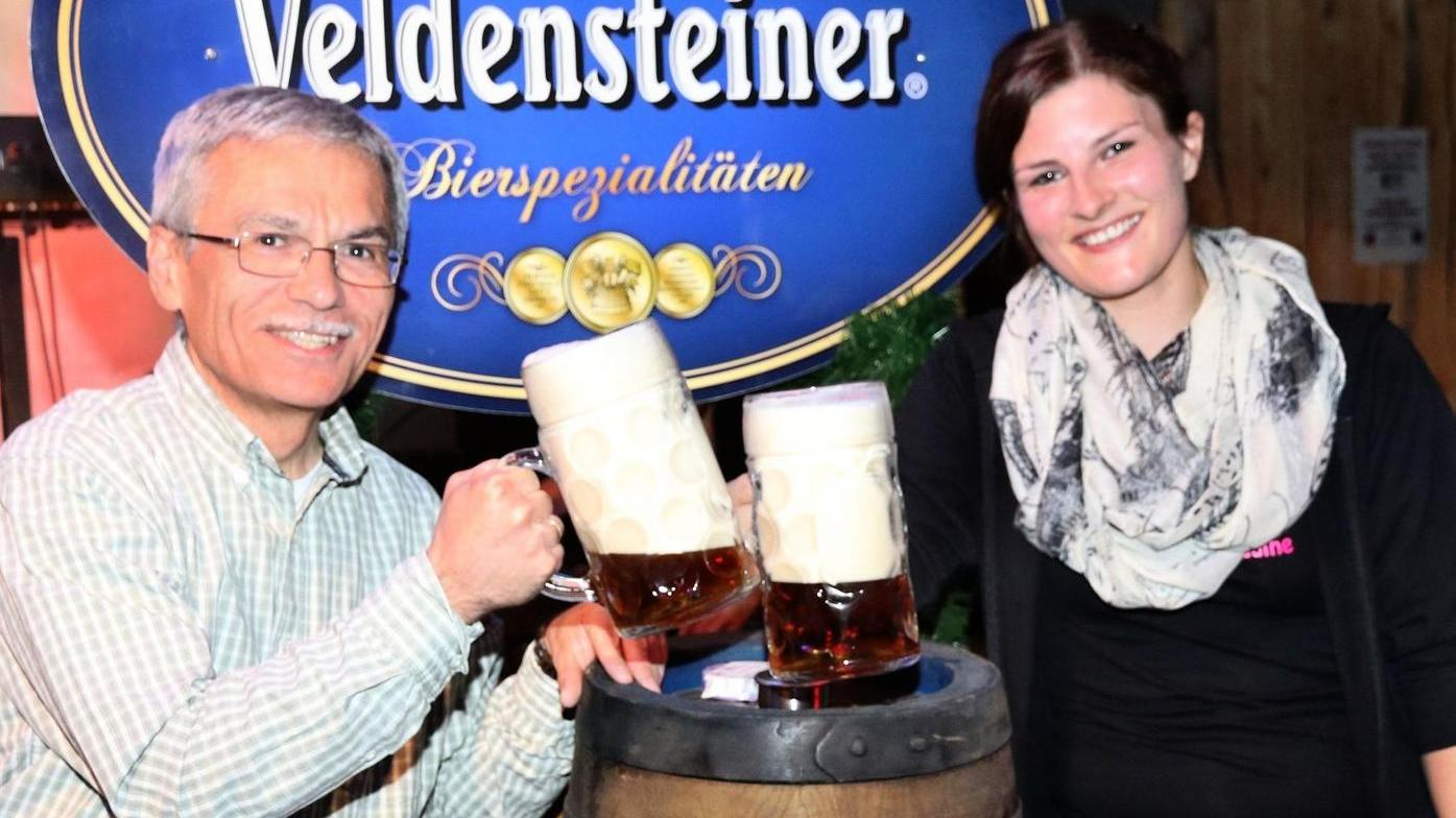 Bürgermeister Josef Springer und Nadine Gmehling eröffnen die Kirwa.