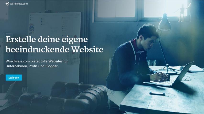 Ende der Neunziger geht ein Beben durch die Medienlandschaft - zumindest in den USA. Zahlreiche Anbieter lassen Nutzer ihren eigenen Blog erstellen, auf dem sie Artikel und Bilder posten können. Mit verschiedenen Features lässt sich einfach und gut vernetzen. 2003 starten dann Plattformen wie Wordpress. Der Hype um Blogs kam nie so stark in Deutschland an wie in den Vereinigten Staaten oder anderen Teilen der Welt, doch bis heute haben sich auch zahlreiche deutsche Blogs etabliert. Und bereichern die Medienlandschaft mit spannenden und guten Texten.