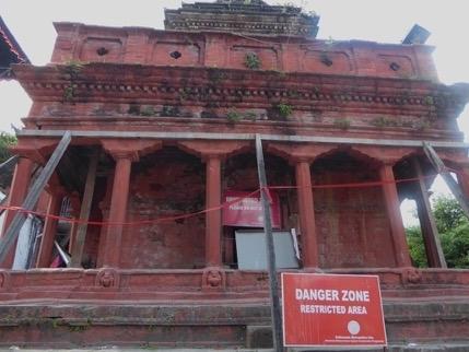 Weil die Statik dieses Tempels unsicher ist, wurde er geschlossen.