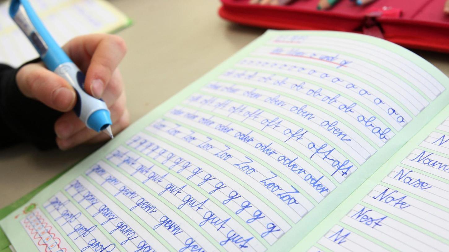 Nur wer mit dem Füller schreiben kann, der kann wirklich schreiben, sagt Stephanie Müller.