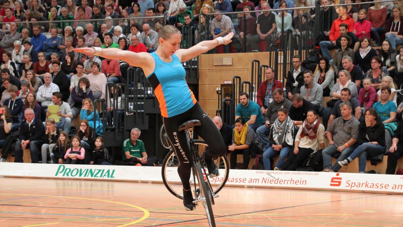 Vollbesetzte Ränge in Moers verfolgten die Finalkür von Milena Slupina, mit der sie sich an die Spitze setzte.