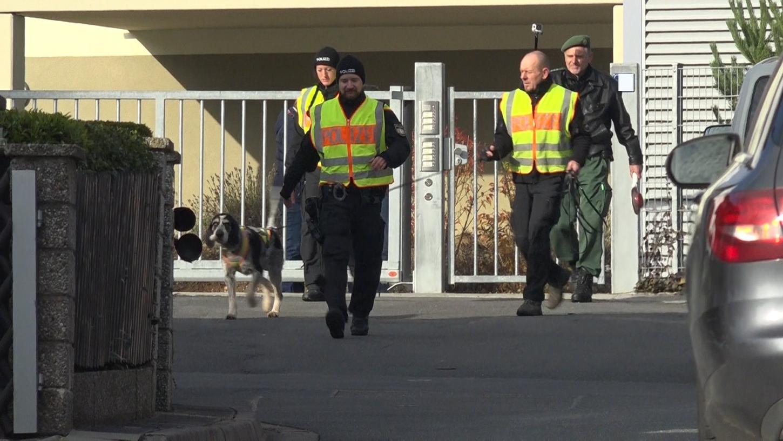 Der Tatort - eine Wohnung in Heroldsberg - wurde unmittelbar nach der Vergewaltigung weiträumig abgesperrt.