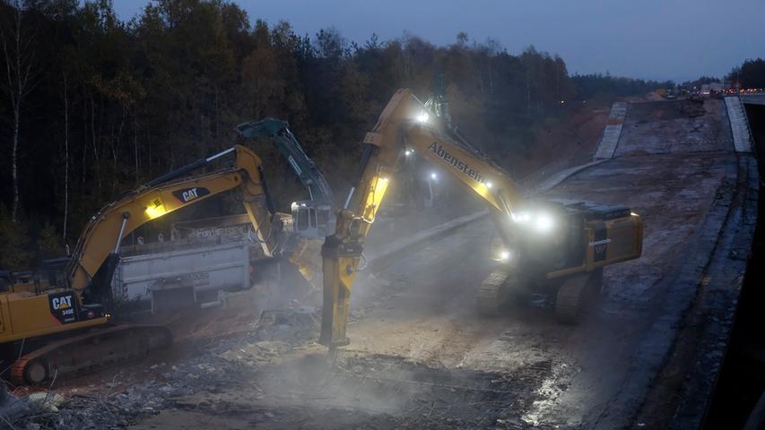150 Kilo Sprengstoff: Brücke an der Autobahn gesprengt