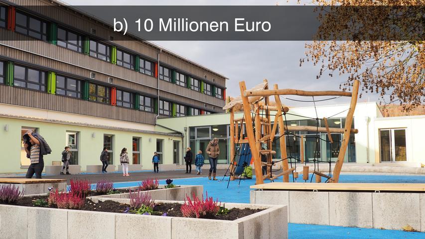 Die Grundschule in Treuchtlingen erstrahlt seit diesem Schuljahr in neuem Glanz. Nach der Sanierung des unteren Schulhauses in der Hahnenkammstraße vor sechs Jahren kam nun der höhergelegene Gebäudeteil dran. Er bietet den Schülern jetzt viel Platz zum Lernen.