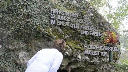 Neben der kleinen Tafel, die unten links zu sehen ist, befand sich die Tafel mit den Namen.