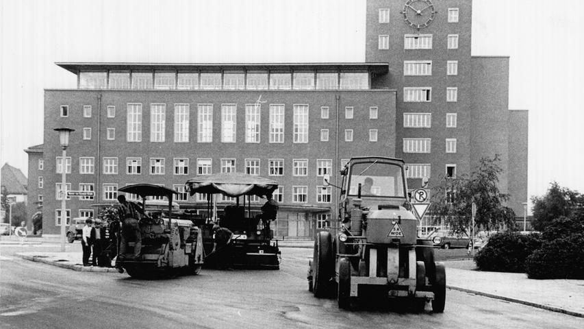 Warum heißt das alte Siemens-Hauptverwaltungsgebäude in Erlangen eigentlich
