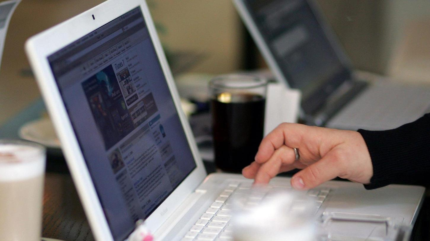 Das Internet prägt das Leben von Milliarden Menschen weltweit. Jeder Deutsche verbringt im Schnitt zwei Stunden am Tag online.
